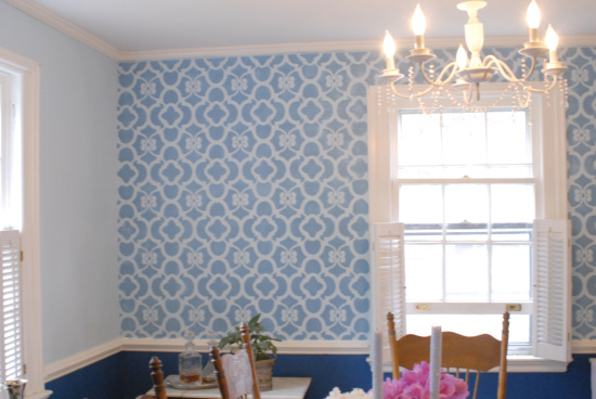 dining room one wall stenciled