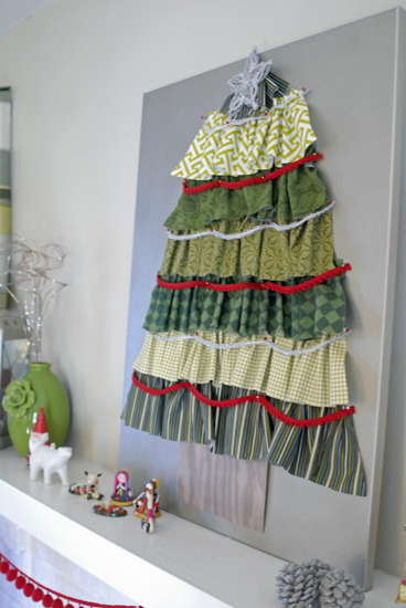 fabric-Christmas-tree-on-mantel.jpg