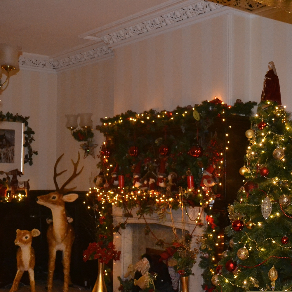 Christmas At The Cedars -