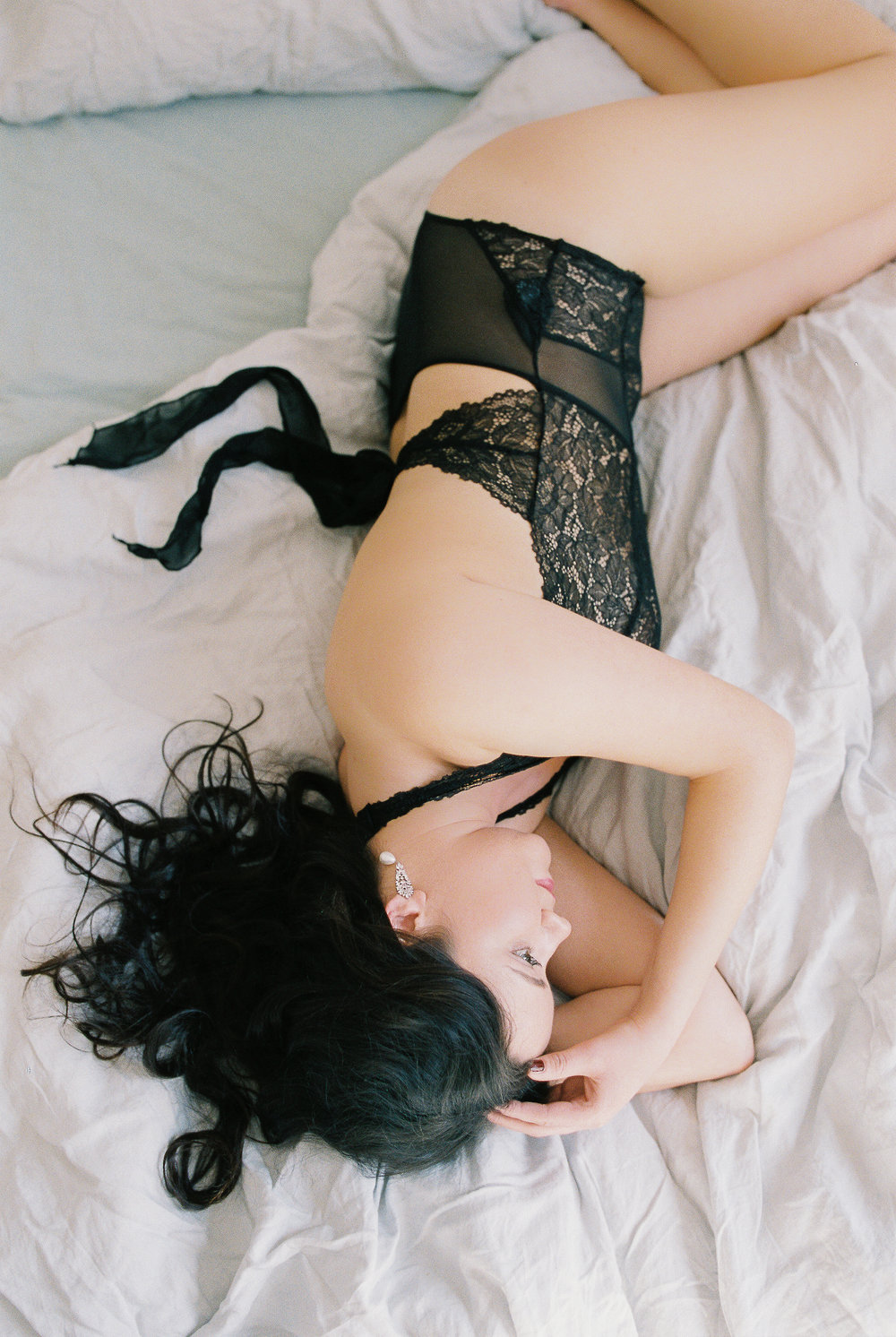 Paris boudoir session on film by Tanja Kibogo1.JPG