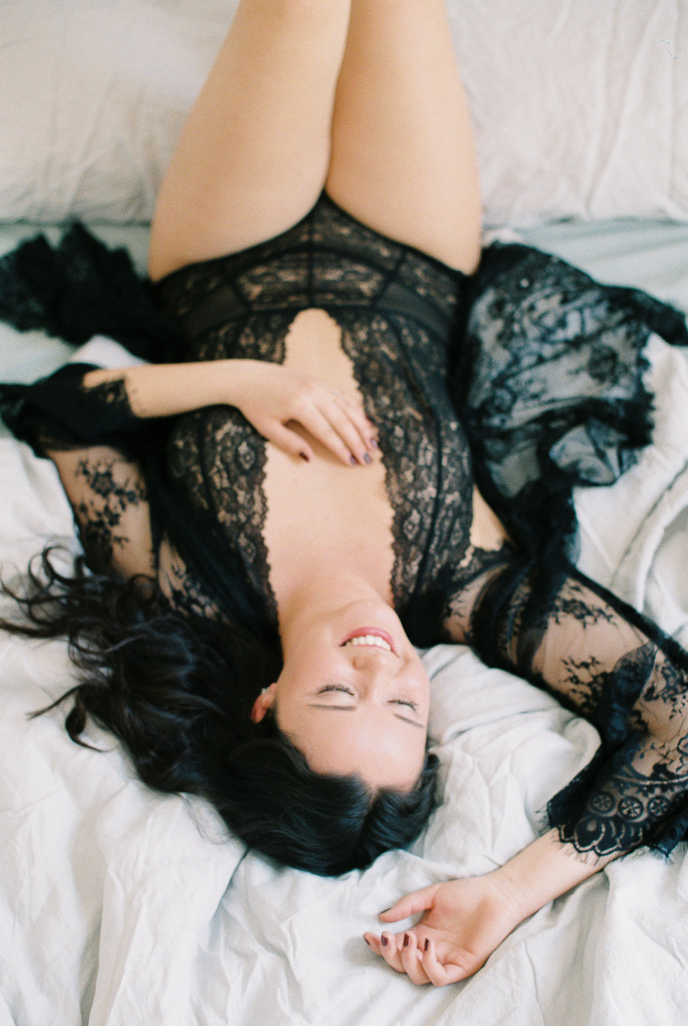 Paris boudoir session on film by Tanja Kibogo2.JPG