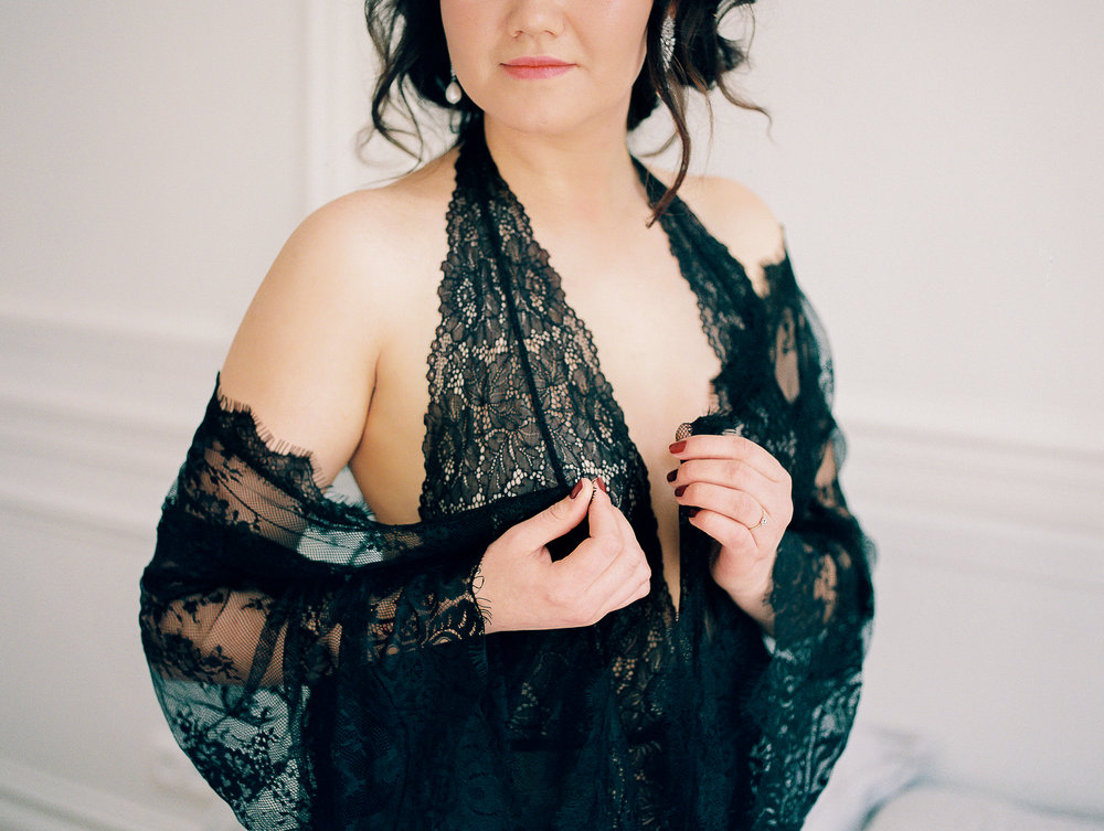 Paris boudoir session on film by Tanja Kibogo14.JPG