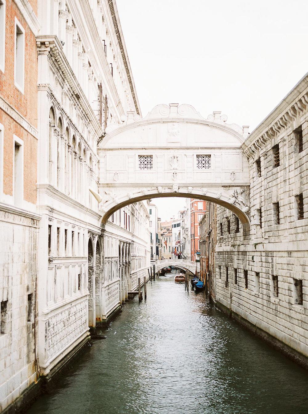Destination pre-wedding session in Venice Italy | Tanja Kibogo photography9.JPG