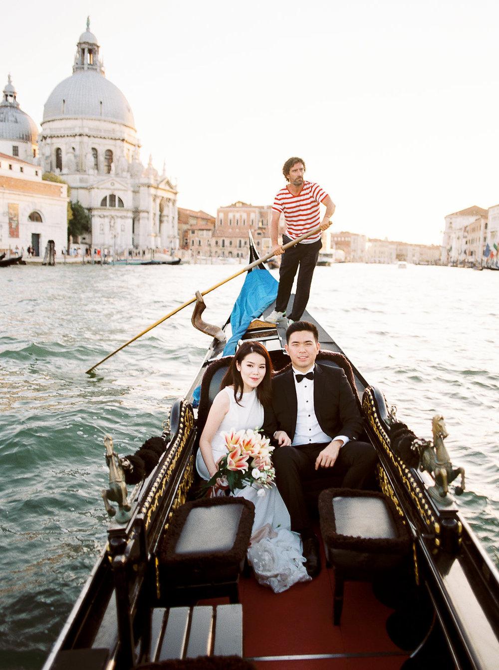 Destination pre-wedding session in Venice Italy | Tanja Kibogo photography1.JPG