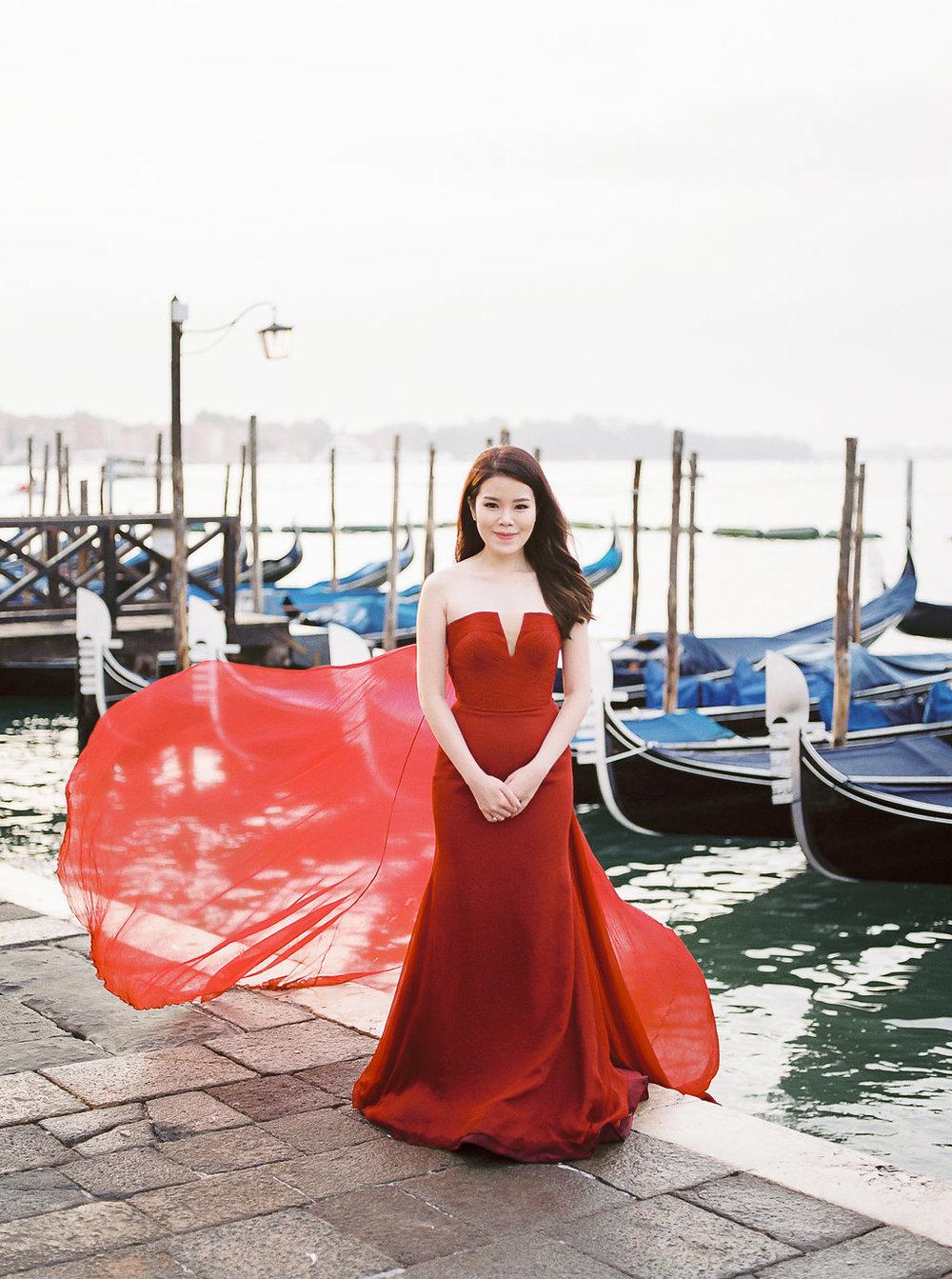 Destination pre-wedding session in Venice Italy | Tanja Kibogo photography film2.JPG