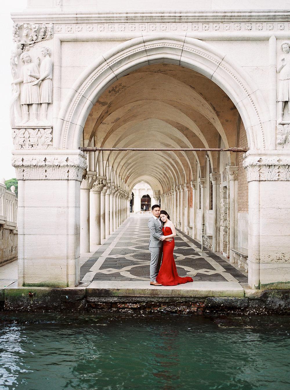 Destination pre-wedding session in Venice Italy | Tanja Kibogo photography film7.JPG