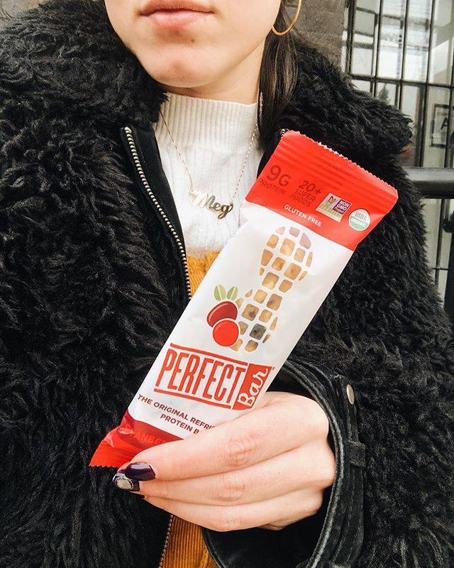get yourself a friend who introduces you to protein bars that taste like dessert ... @the_dessert_pusher 💃🏻#nfmeats . #treenutfree #treenutallergy #foodie #glutenfree #foodieblogger #foodstylist #food52grams #buzzfeast #food52 #thefeedfeed #foodienyc #omnomnom