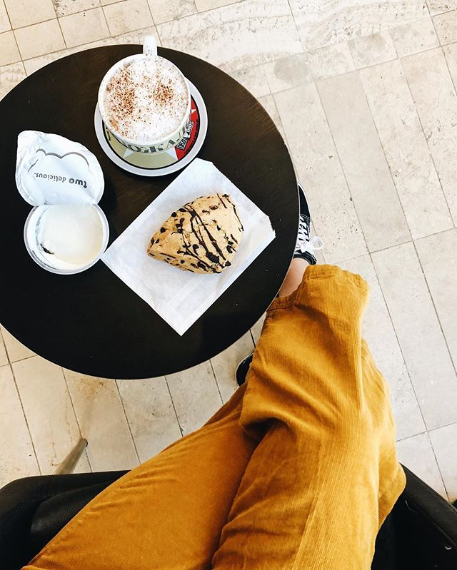 ICYMI I'm currently in Denver wearing yellow overalls, drinking a chocolate cappuccino, eating a chocolate scone and working on a marketing PowerPoint. Happy Thursday friends 💛#nfmeats #nfmtravel #nfminspo
