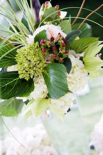 Malloy Weddings | New England wedding planner | Nantucket Golf Club wedding | green hydrangea centerpiece