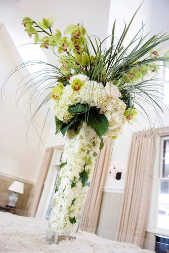 Malloy Weddings | New England wedding planner | Nantucket Golf Club wedding | place card flower arrangement