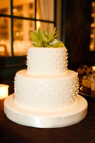 Malloy Weddings | New England wedding planner | Nantucket Golf Club wedding | Wedding cake