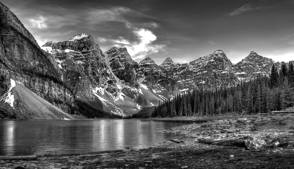 B&W Lake Louise.jpg