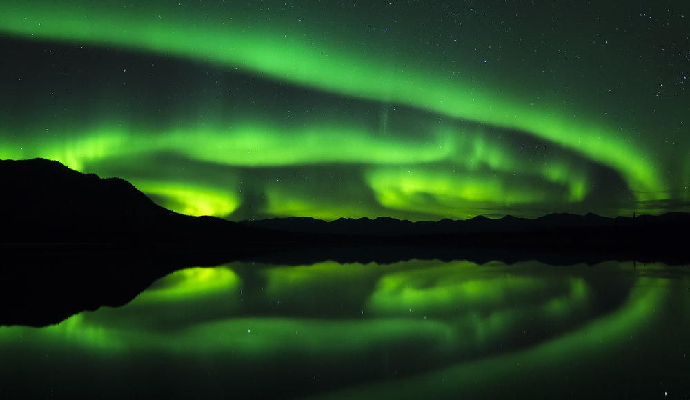 Big Northern lights storm in Yukon, north of 49 photography workshops