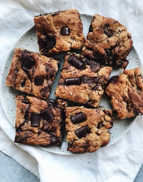 grain free chocolate chip cookie bars.