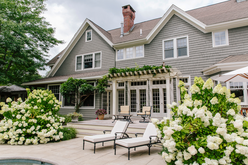 OWN Stocksy.com Hydrangia House Sell your home tips Buyer's Edge Real Estate DC, MD, VA txp93052c01QOr100_Small_786910.jpg