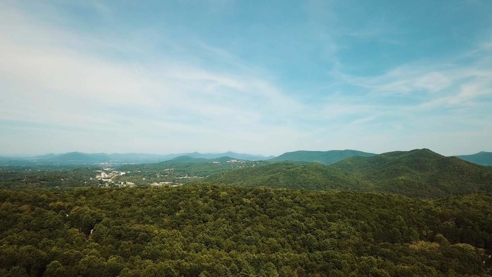 Roanoke-Web.jpgAerial shot of Roanoke, VA