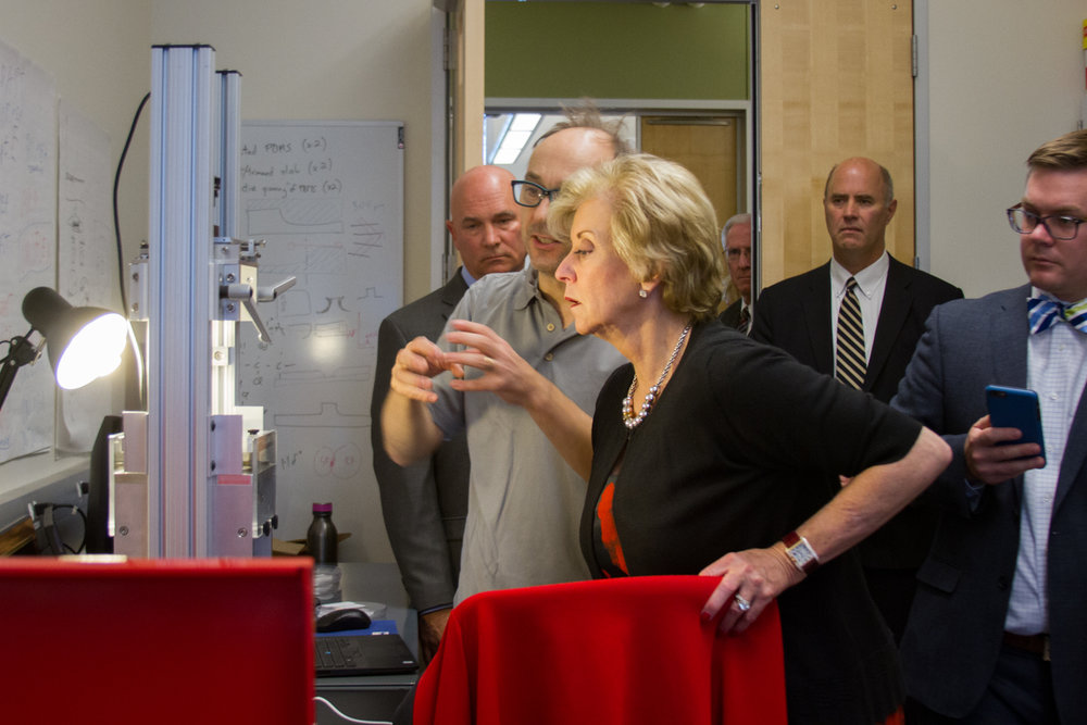 BMSEED Founder, Oliver Graudejus explains his technology to US Small Business Administrator, Linda McMahon.