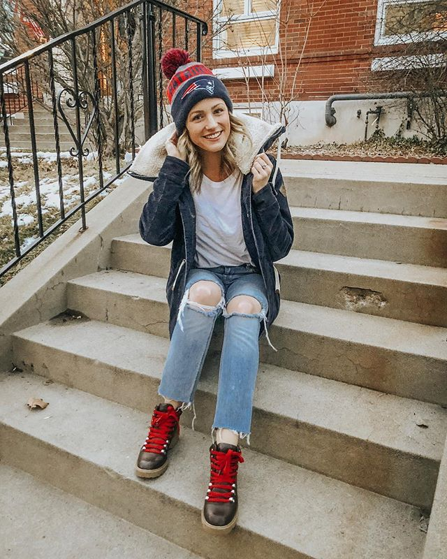 championship sunday kinda #ootd 🏈 ft. my favorite hiker boots {under $40} and the coziest winter coat ever! ❤️GO PATS💙 http://liketk.it/2zrop #liketkit @liketoknow.it
