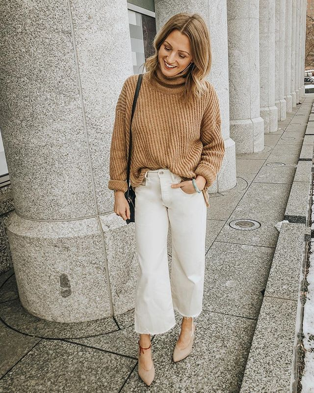 having a neutral moment 🐪💭 and wondering where these pants have been all my life? loving the cropped wide leg and raw hem + they're under $40 right now! follow me in the LIKEtoKNOW.it app to shop this look🖤http://liketk.it/2zSic #liketkit @liketoknow.it