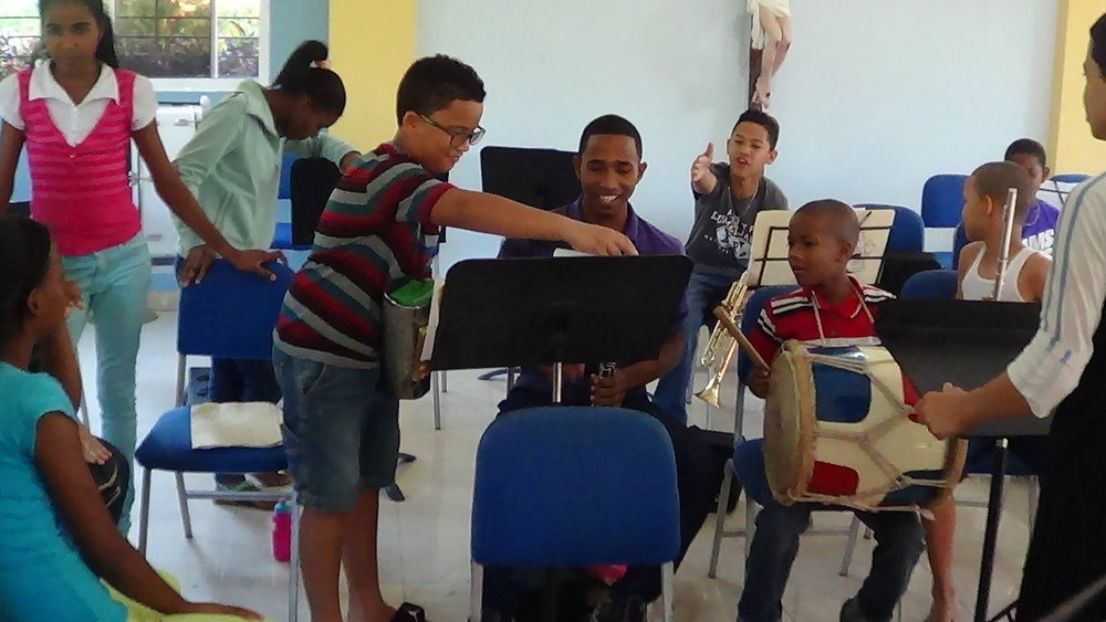 Collaboration and peer-to-peer learning is another way El Sistema helps children succeed.