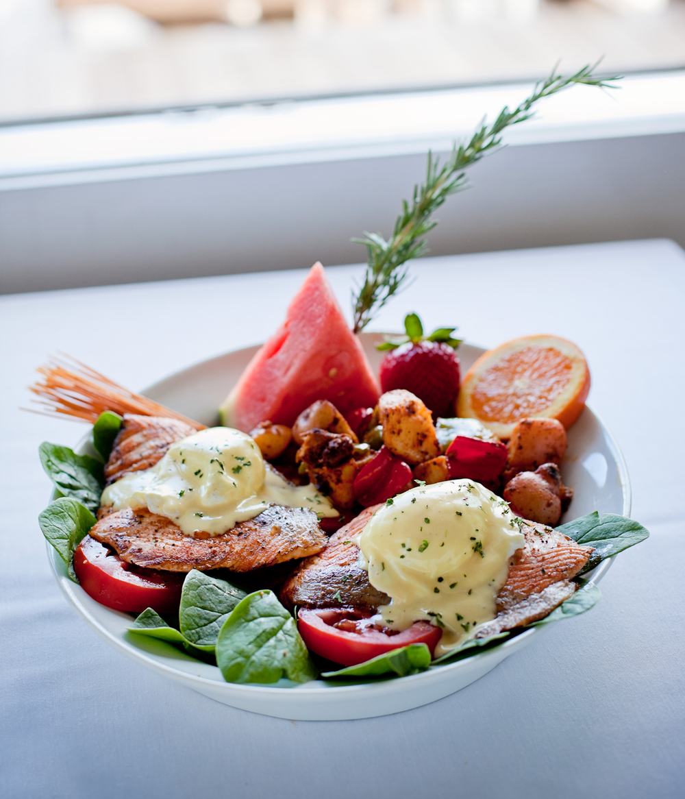 eagle-cafe-salmon-benedict-2.png