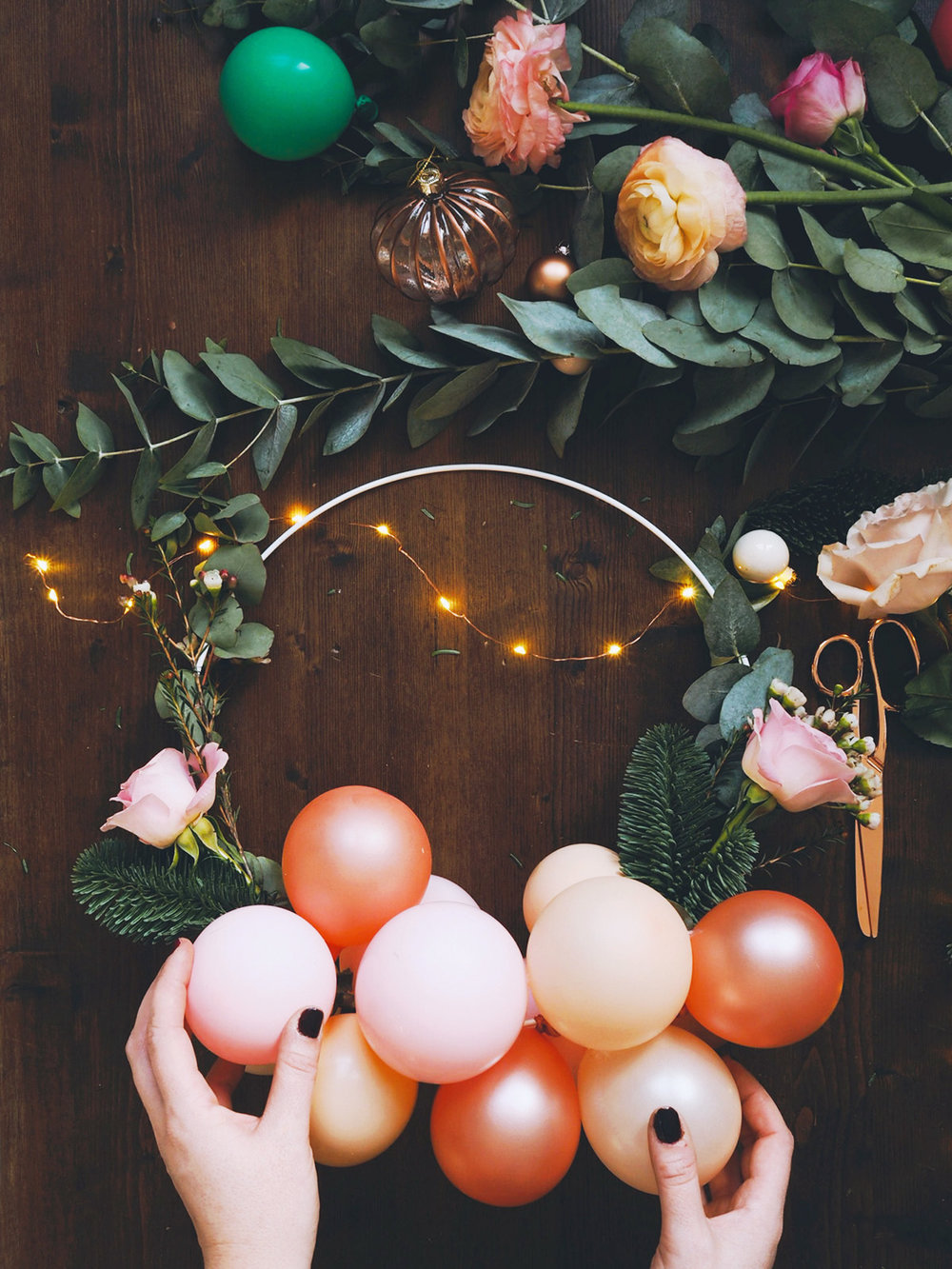 blog-balloon-wreath-13.jpg