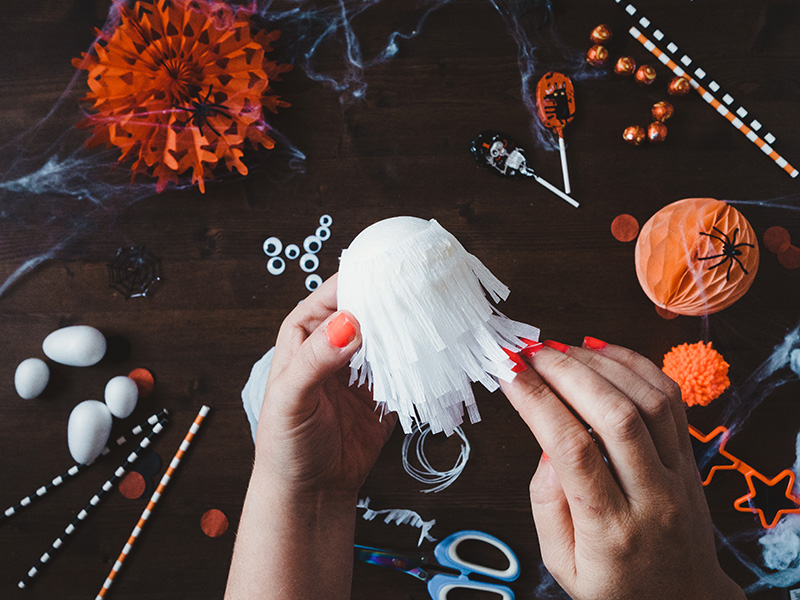 How to make a cute ghost halloween balloon tail.