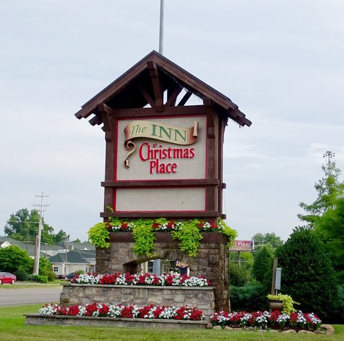 The Inn At Christmas Place Pigeon Forge Tn Coast2coastwithkids