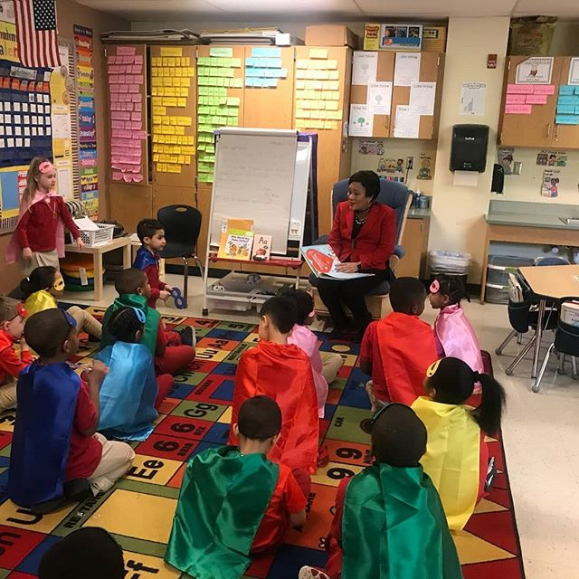 Mayor Toni Harp enjoying and promoting World read aloud day at Mauro-Sheridan Magnet School. Read as much as possible with your children as early as possible and push them to read.