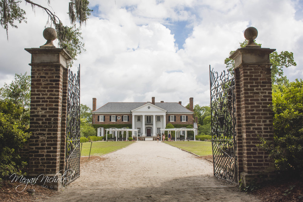 boone hall plantation house and gate