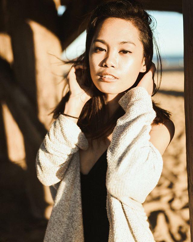 That golden hour light though 👌🏻 . . . . #portraits_mf #bleachmyfilm #portraitkillers #portraitpage #moodyports #agameoftones #igportraits #arsenic #folkvibes #agameofportraits #hvmansouls #folkcreative#portraitfestival #portraitpatrol #observethis #bravogreatphoto #quietthechaos #bravoportraits #portraitstream #portrait_vision #shotzdelight #iseeyourtalent #dynamicportraits #expofilm3k #moodyports #portraits_mf #shvtterclick #heatedports #worldofportraits #portraitspage