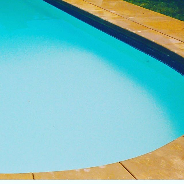 It's still hot, isn't it? . . #exteriors #summer #sun #splash #pool #patio #spa #sanantonio #Texas #dontmesswithtexas #dontmesswithfiberglass #blue #cannonball #SouthTexas #SATX #Staycation #paradise #resort #family #familymoments #backyard #funbythepool #fun #youshouldbehere #exteriors #oasis