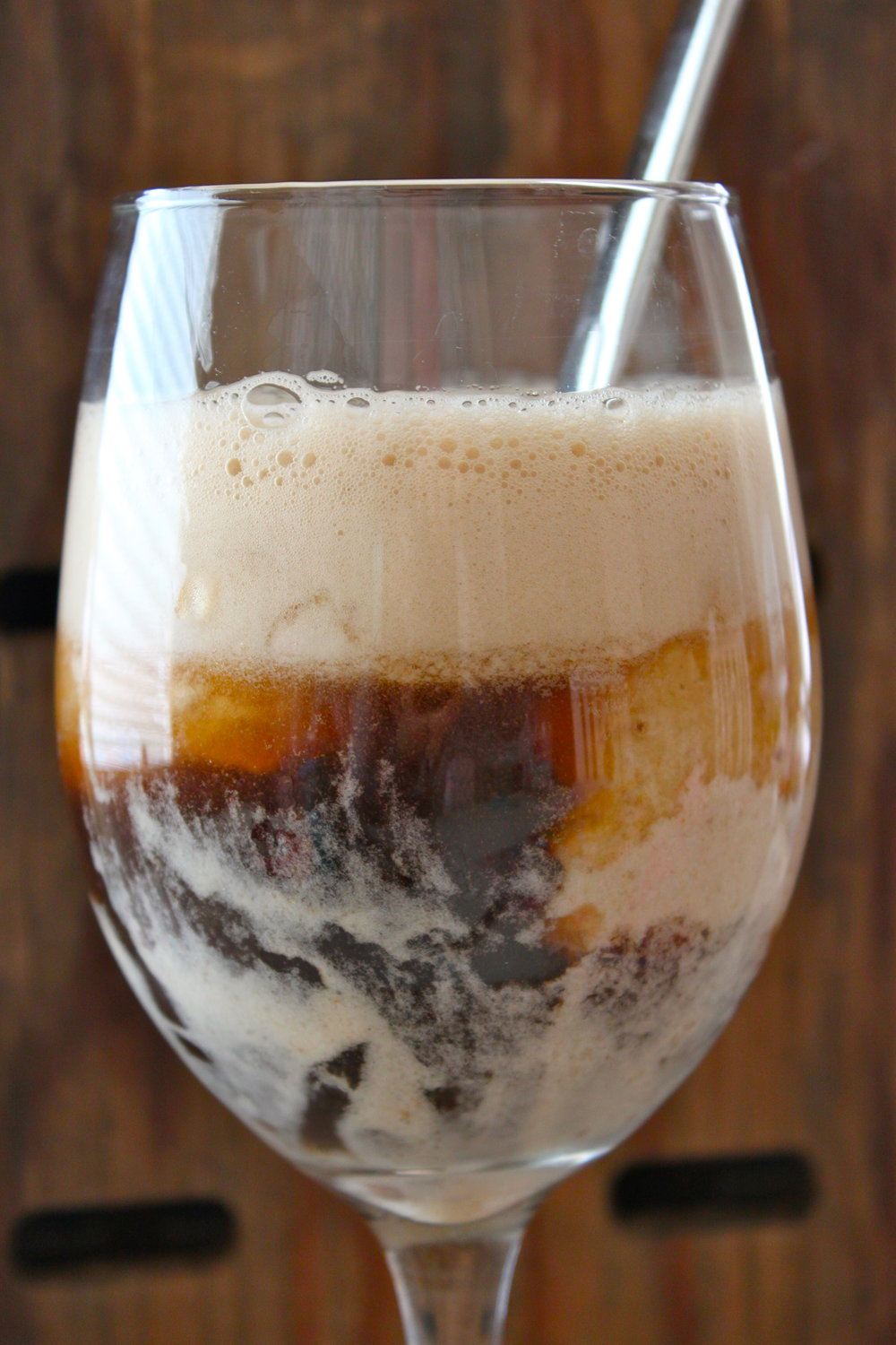 Healthy Root Beer Floats from http://thediva-dish.com