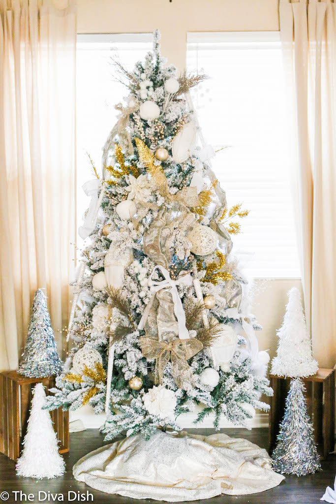 Christmas Tree 2016 via The Diva Dish