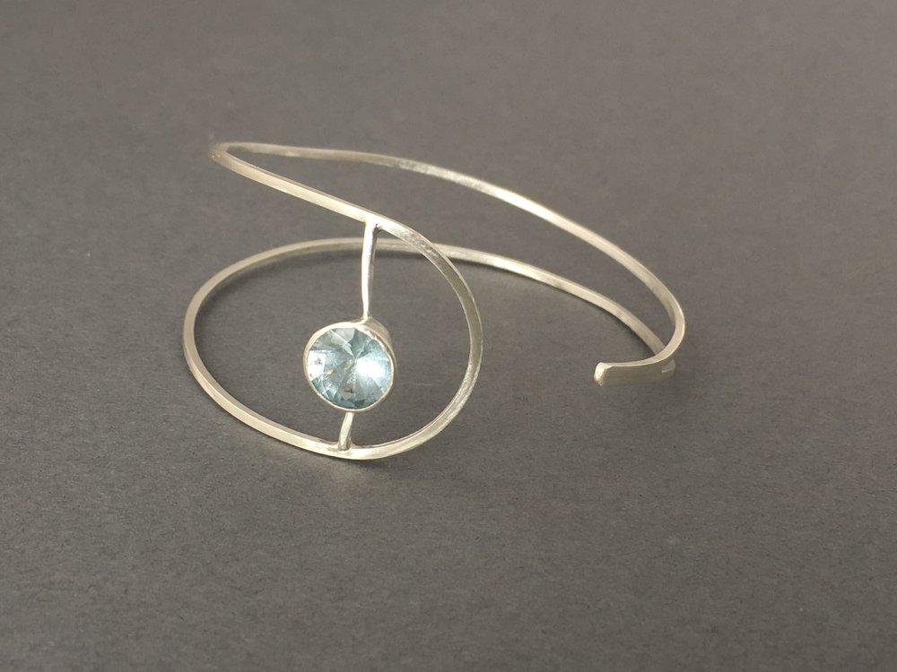 bracelet_blue topaz sterling-fine silver cuff-IMG17128.jpg