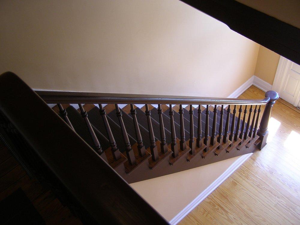 Pexels: stairs