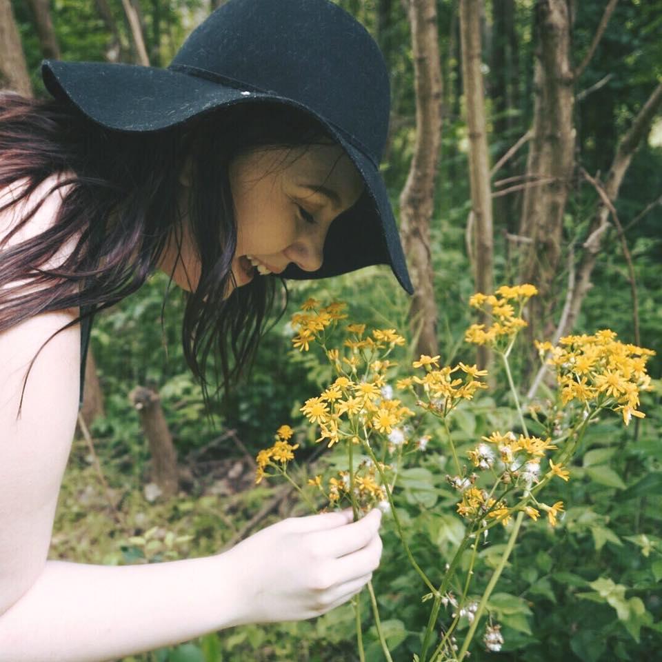 flower smell.jpg