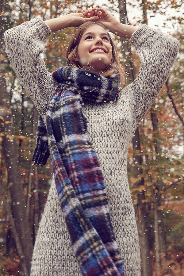 Winter Style: Scarves and Sweaters