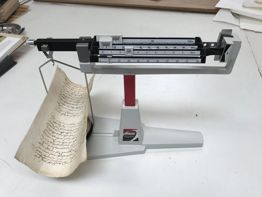 Scale for measuring documents