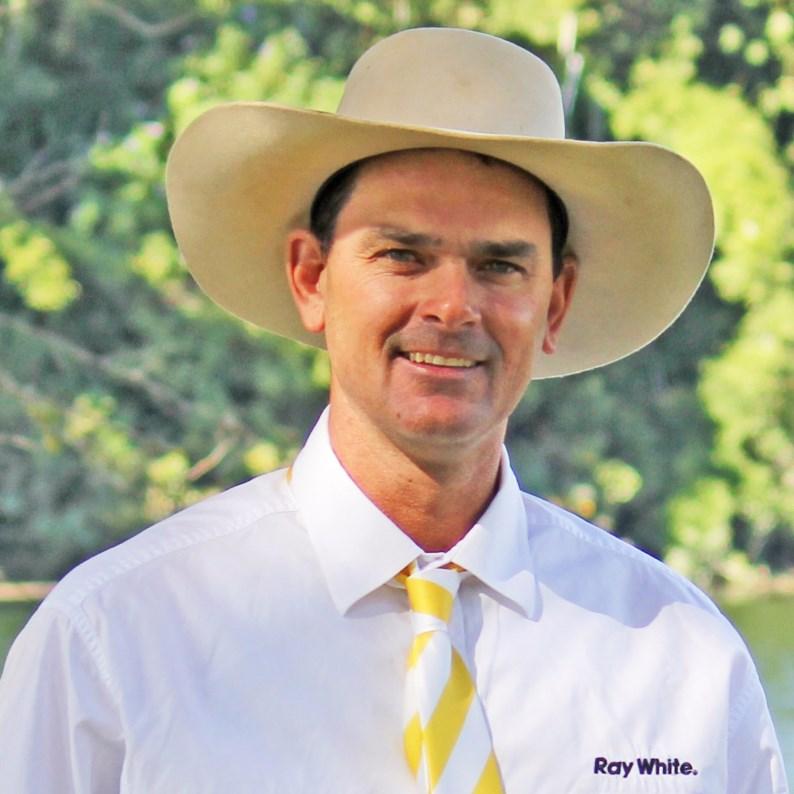 Tim McCarthy - equine sales team 0427674054 tim.mccarthy@raywhite.com