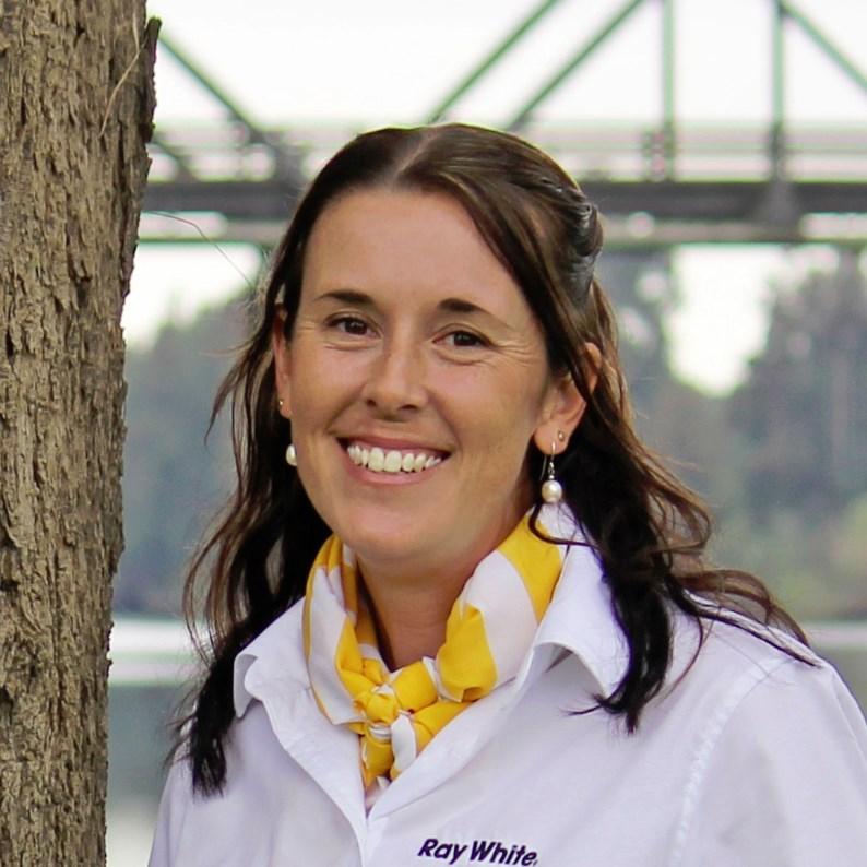 Kimberley Latham - equine sales administrator 0418486998 kimberley.latham@raywhite.com