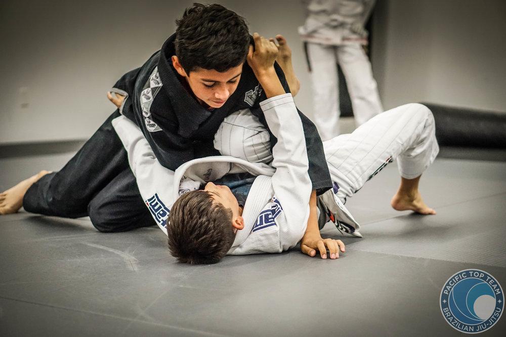 ADVANCE & TEENS jiu jitsu PROGRAM