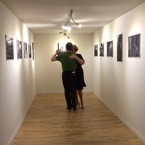 Spontaneous tango and Wanderson's photographs opening night   10-17-14