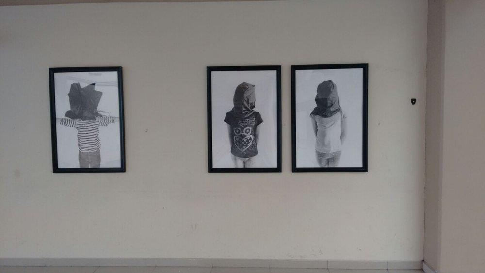 Installing Rigo Flores' exhibition in UTT Galería, Tijuana. 4-20-16  Photo credit: Arturo López GonzálezPhoto credit: Arturo López González