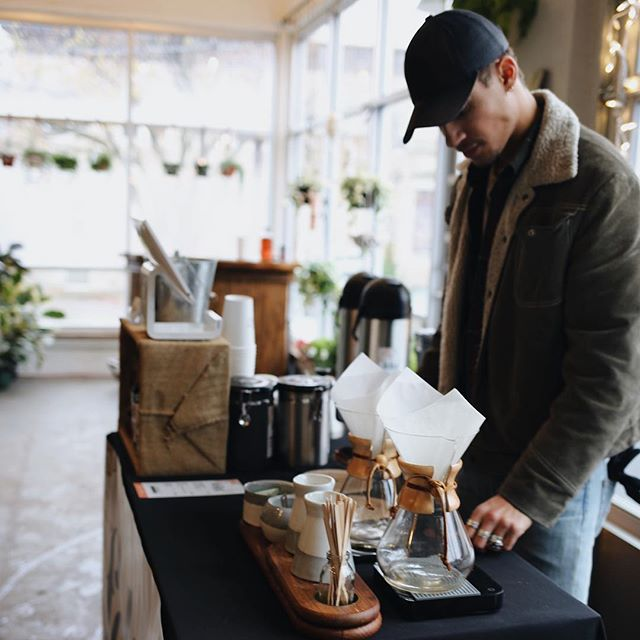It's been such a great afternoon here at Ferns Holiday Market! We're here till 6PM so be sure to stop by and taste our brand new Holiday Blend.