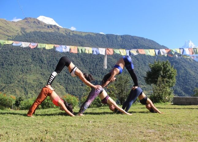 Playing yoga on the trekking