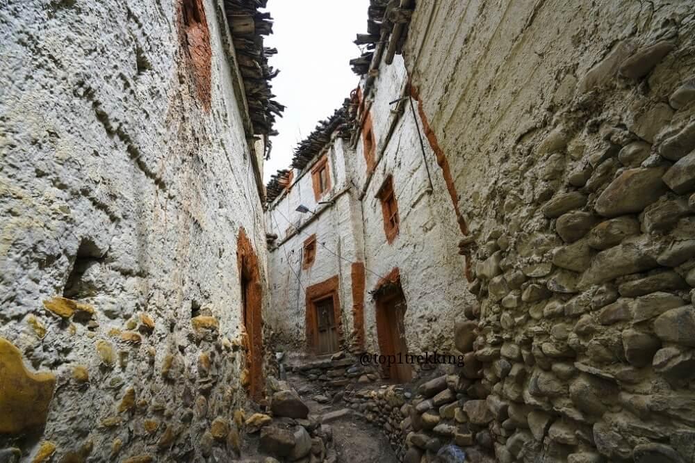 Ngôi làng đặc trưng vùng Upper Mustang