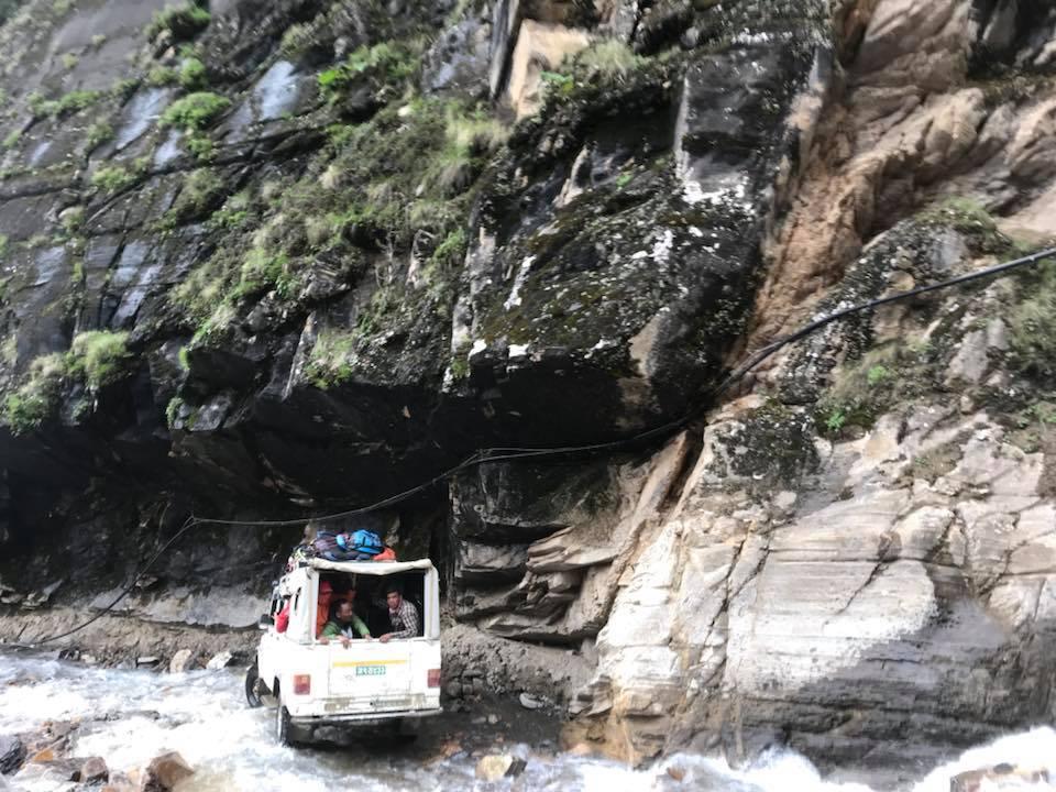 Rời Lo Manthang trên chuyến xe Jeep