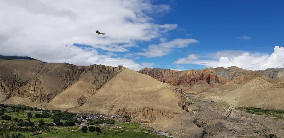 Các sống lưng núi nổi bật như điêu khắc 3D, Mustang, Nepal