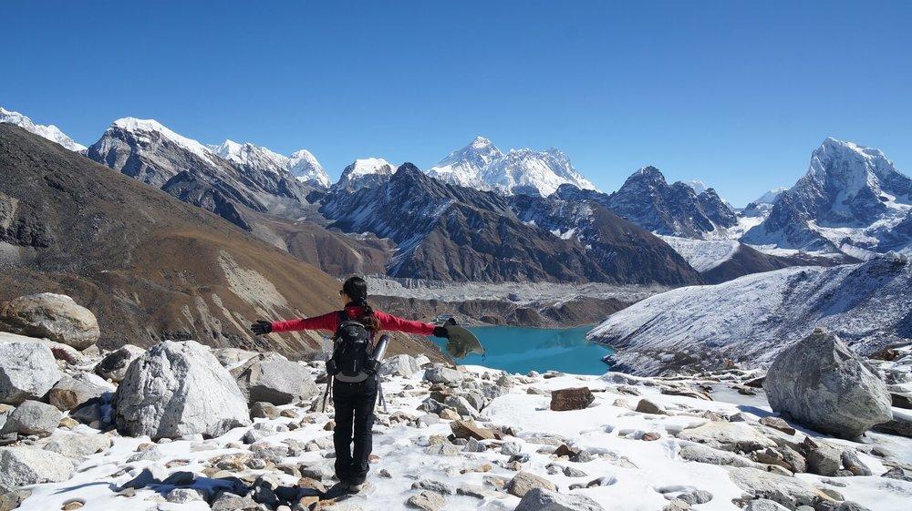 Leo đèo Renjo La ngắm nhìn đỉnh Everest lần cuối